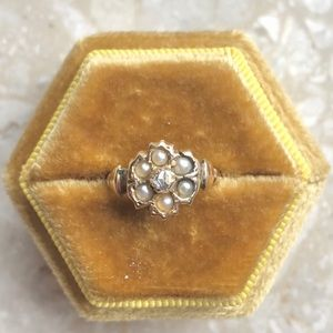 Diamond & Pearl Antique Flower Yellow Gold Ring